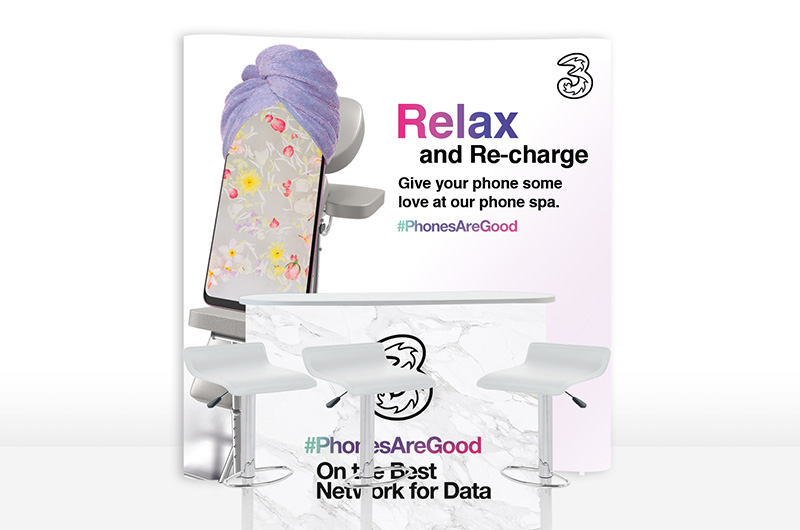 ThreeMobile-Phone-Spa-stand